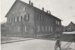Dorfplatz 1 (1950er Jahre)