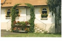 Dorfplatz 11 + 12 (Bauhof + Alte Molke, ca. 1992)