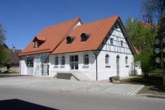 Dorfplatz 12 (Alte Molke nach Umbau zum Feuerwehrhaus, 2003)