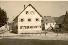 Dorfplatz 7 (Gasthaus Adler)