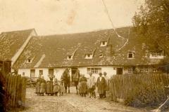 Dorfplatz 9 (1915, Neubauer)