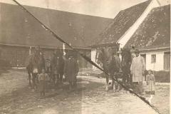 Dorfplatz 9 (1920)
