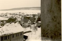 Dorfplatz vom Kirchturm (ca. 1965)