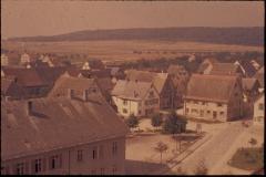Dorfplatz-vom-Kirchturm (ca. 1965)